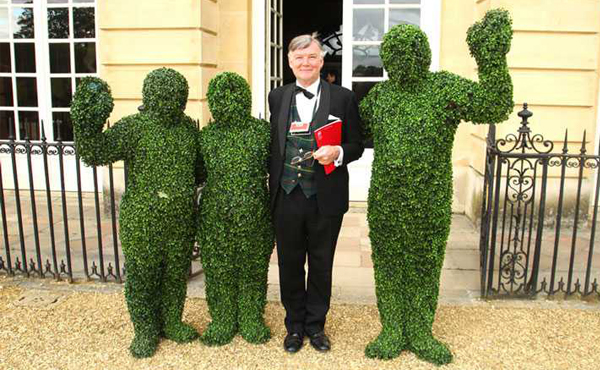 Wedding Reception Entertainment Ideas - Living Topiary