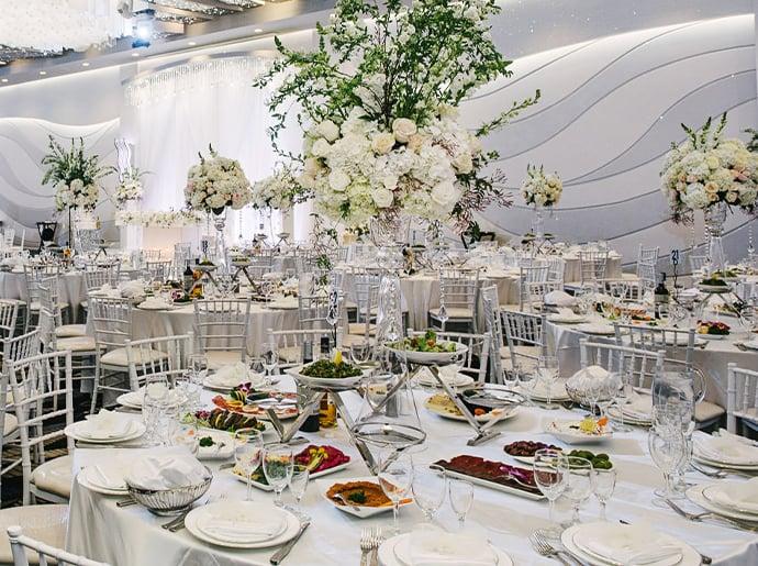Metropol Banquet Hall - Quinceañera Venue - Dining & Catering