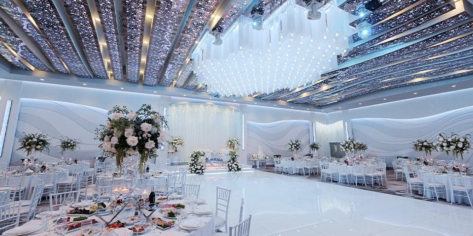Metropol Banquet Hall - Quinceañera Venue - Modern Ballroom