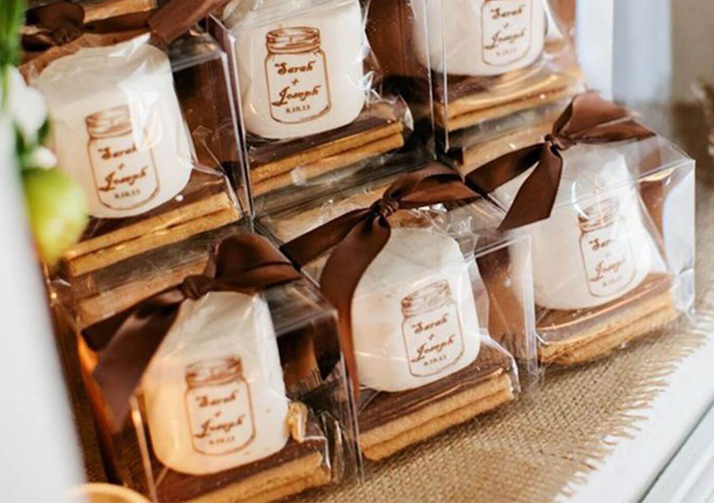 Disappearing Wedding Trends - Wedding Favors With Ribbon